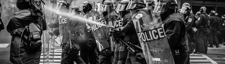 Polizei beim Protest